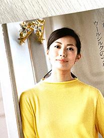 2020年 家庭画報COLLECTION 冬号掲載 RISHDECOのコスモダブルスターベクトルイヤリング ゴールド
